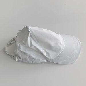 LULULEMON WHITE BASEBALL CAP *BASICALLY BRAND NEW